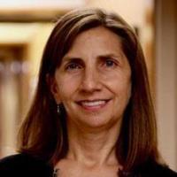 Leslie M Babinski