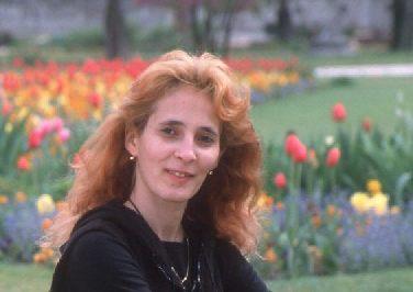 Paula B Grajdeanu